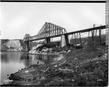 The bridges, St. John, NB, about 1898. Photograph. Silver salts on paper mounted on paper – Albumen process, (18cm x 24cm). McCord Museum VIEW-3269.1