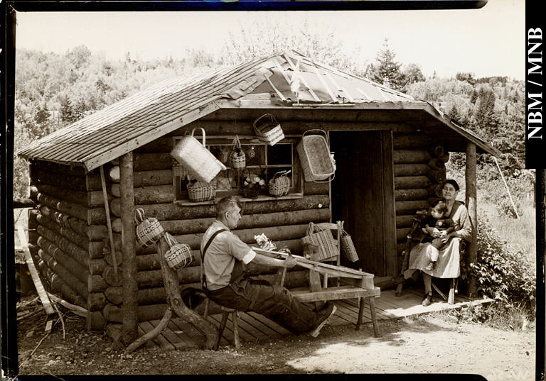 Wolastoqew Family with Baskets c1935